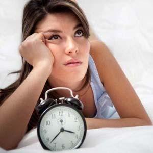 4 cosas que no debes hacer a la hora de acostarte