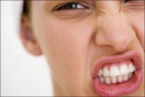5 formas en que el estrés daña tus dientes