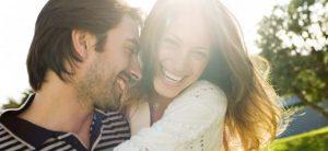 Beneficios de reír en pareja