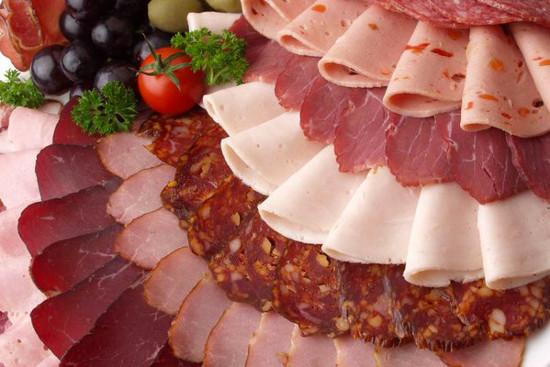 Carne procesada causante de cáncer según la OMS